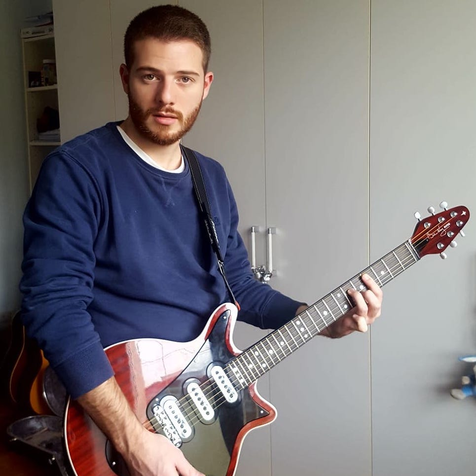1f0bf73b7def6 I have to thank Brian May Guitars because they have followed me throughout  the procedure
